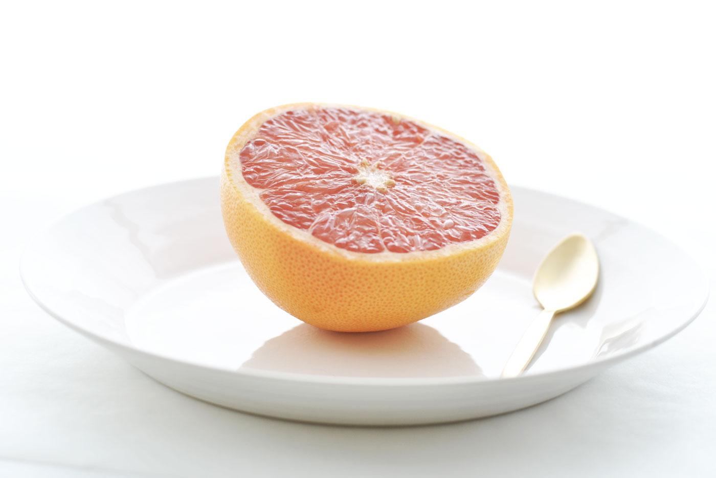 Pompelmo come si mangia tasteofrunway - Si mette in tavola si taglia ma non si mangia ...