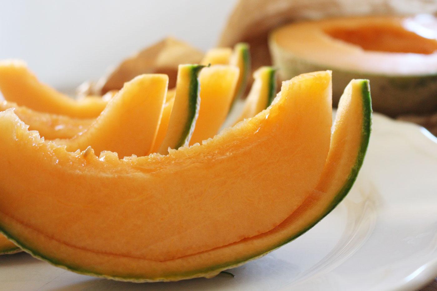 Melone mangiarlo e servirlo tasteofrunway - Si mette in tavola si taglia ma non si mangia ...