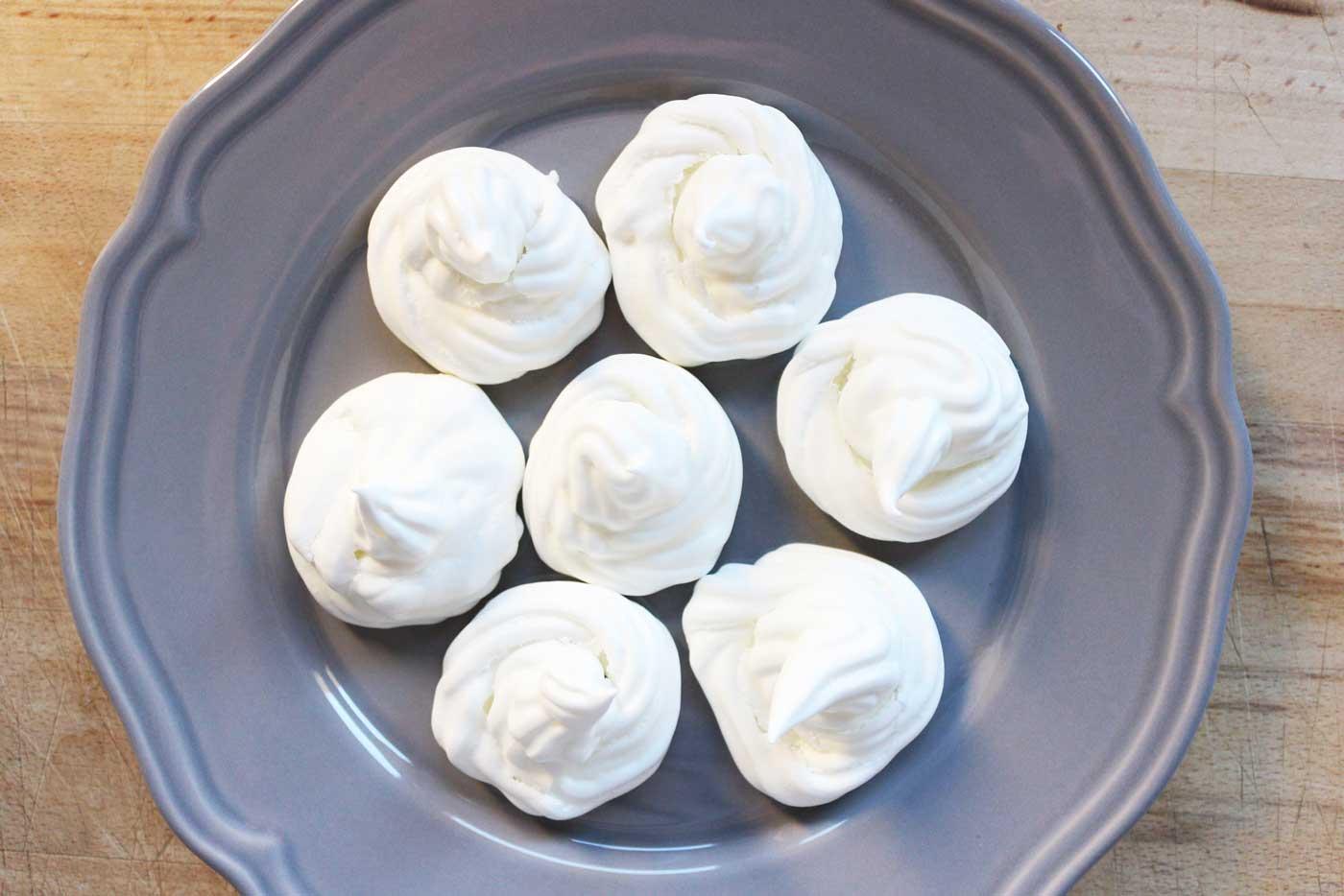 Meringhe-al-forno-ricetta