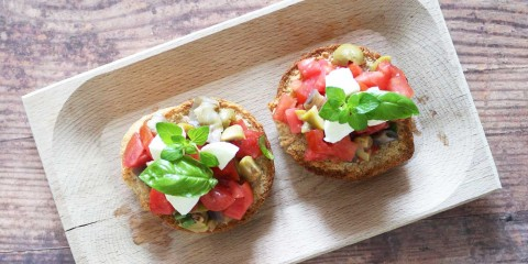 Friselle-pomodoro-mozzarella-parallax