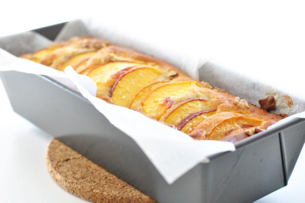 Plumcake-pesche-noci-parallax